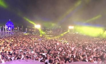 Una multitud  participó de la White Boutique Party 2016