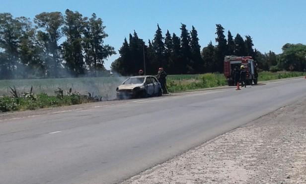 Se incendió un auto en la ruta 51