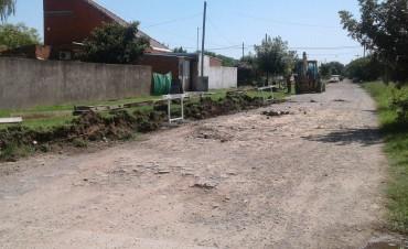 Barrio Las Ranas: Comenzaron la obra de cordón cuneta