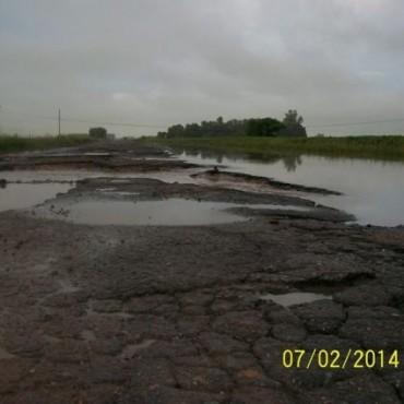 EL PARAISO: Los vecinos piden la urgente repavimentación del camino de ingreso desde Ruta 9