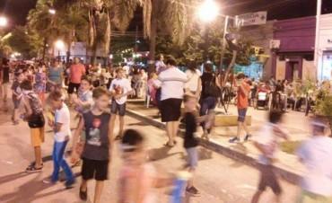 La gente se volcó a la calle