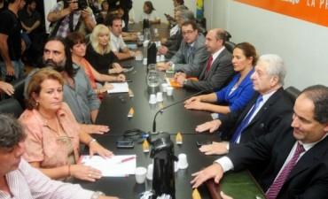 Scioli mandó a su jefe de Gabinete a destrabar el paro y citarán nuevamente a los docentes