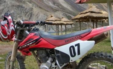 Roban una moto en Villa Ramallo y ofrecen recompensa