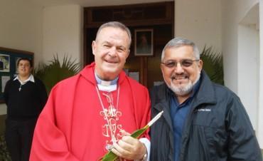 """Monseñor Cardelli celebró la misa de Domingo de Ramos en la parroquia """"Cristo Salvador"""""""