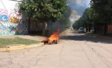 Incendiaron un contenedor en Pérez Millán
