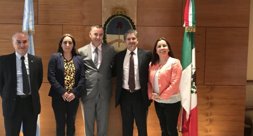 Primer día de la visita del Intendente Poletti a México