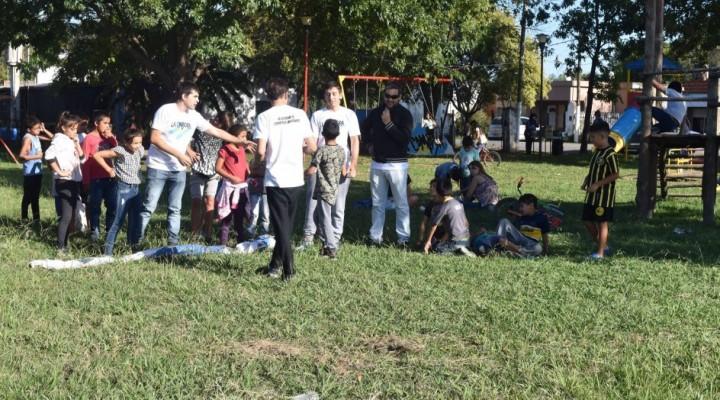 La Campora realizó una jornada solidaria en VGS