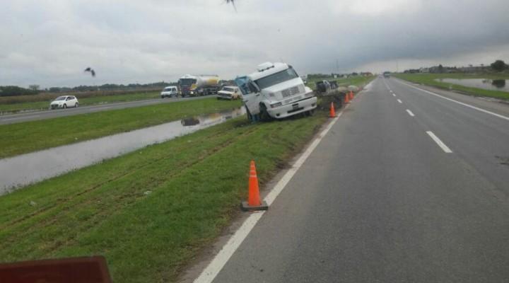 Violento accidente en el kilómetro 229