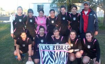 Encuentro de fútbol femenino en Social