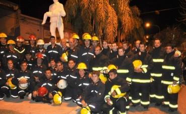 Se inauguró la estatua en Homenaje a los Bomberos voluntarios de Ramallo