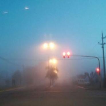 Los bancos de niebla seguirán y Seguridad Vial recomendó evitar salir a las rutas