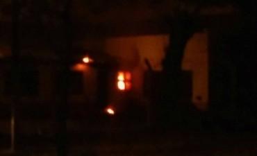 Se incendio una Escuela en Villa General Savio y una vivienda en Ramallo