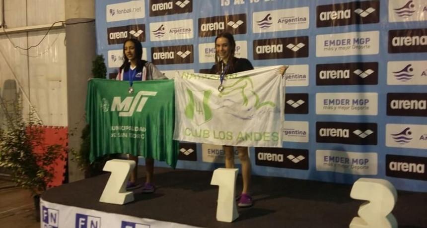 Catalina Oviedo Campeona Nacional de Natación