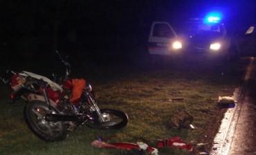 Chocan dos motos en Avenida Dusso