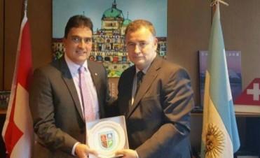 El embajador de Suiza visita Ramallo
