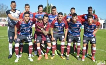 Federal A: Defensores derrotó a Atlético Paraná 2 a 0 en el debut