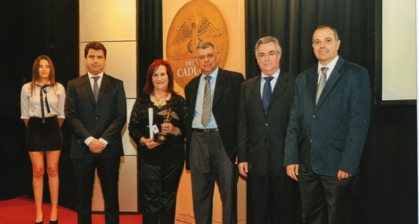 Reporte Semanal fue galardonado por el  Consejo de Ciencias Económicas