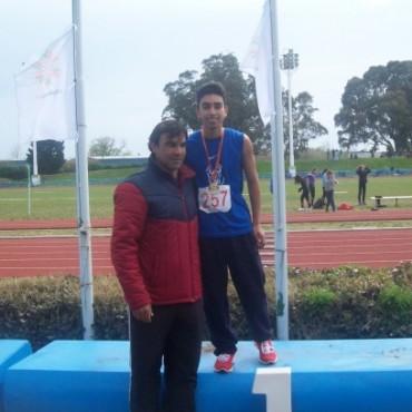 Lisandro Portillo Campeón Nacional en lanzamiento de jabalina en los Juegos Evita