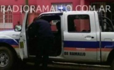 Agreden a un policía en un control de tránsito