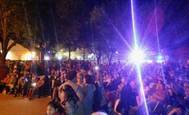 Una multitud disfrutó de la fiesta de la empanada