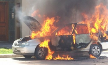 Se incendió un automóvil en Villa Ramallo