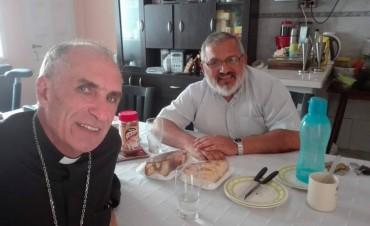 El obispo visitó la parroquia Cristo Salvador