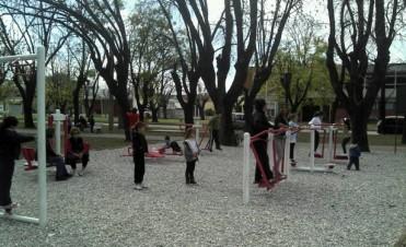 Plaza saludable en Villa General Savio