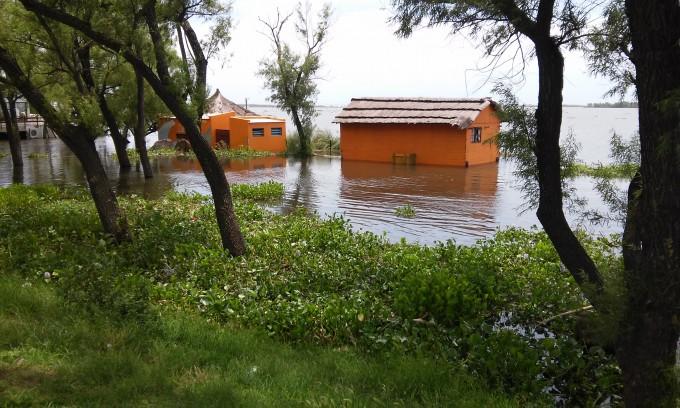 Todas las miradas puestas en el río Paraná