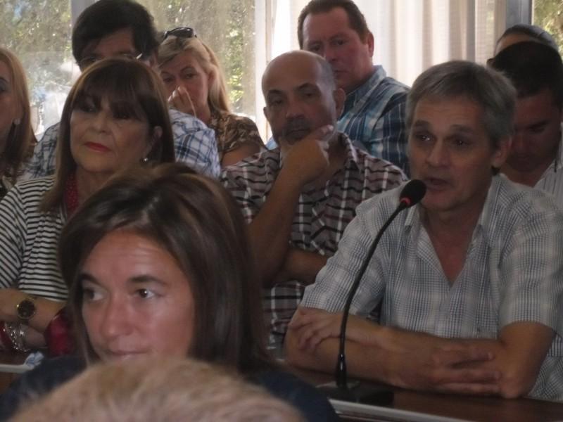 El pase a planta de trabajadores municipales no le cae bien a Cambiemos ni al Massismo