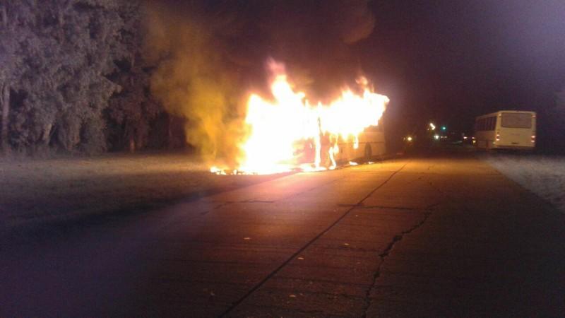 Se incendio un colectivo de Litoral Bus