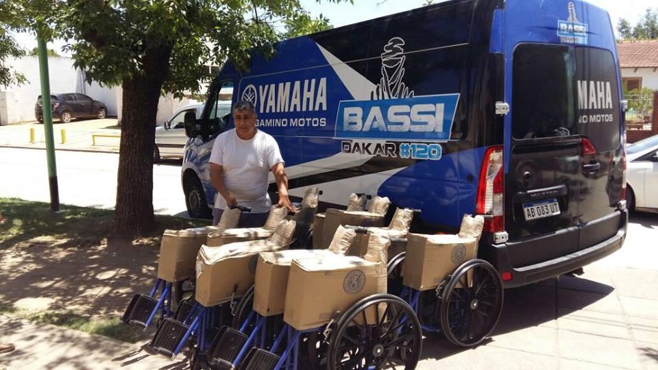 Donaron camillas y sillas de ruedas al Gomendio