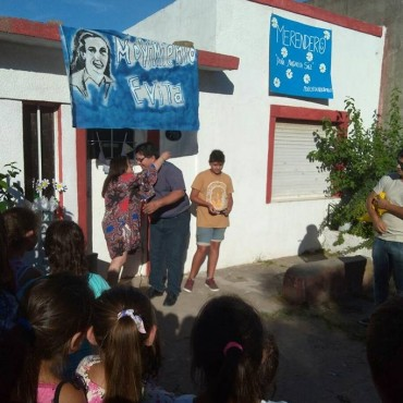 """Gómez """"Lo que nos hace sentir bien es saber que estamos ayudando a muchas familias"""""""