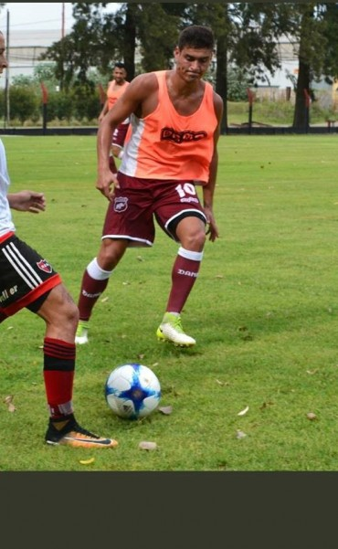 Defensores y Douglas definen quién sigue en la Copa Argentina