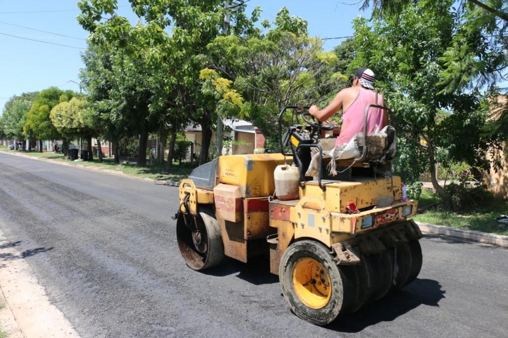 Asfaltado de calle Tucumán
