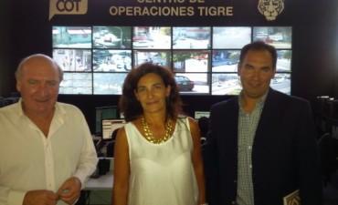 Santalla y Espinel visitaron el Centro de Monitoreo de Tigre