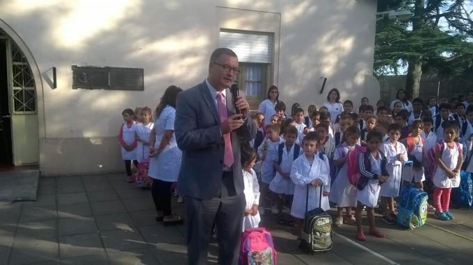 El Intendente presidió el acto oficial de comienzos de clases