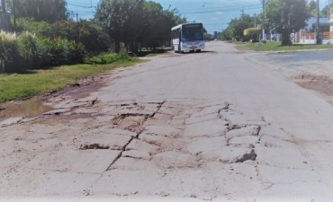Preocupa el mal estado de calle Leloir