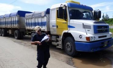 400 mil pesos de multa a camión arenero excedido de peso en San Pedro