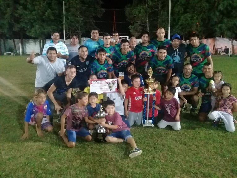 "Despensa Arco Iris se consagró campeón del torneo nocturno ""Jorge Bracalentti"""