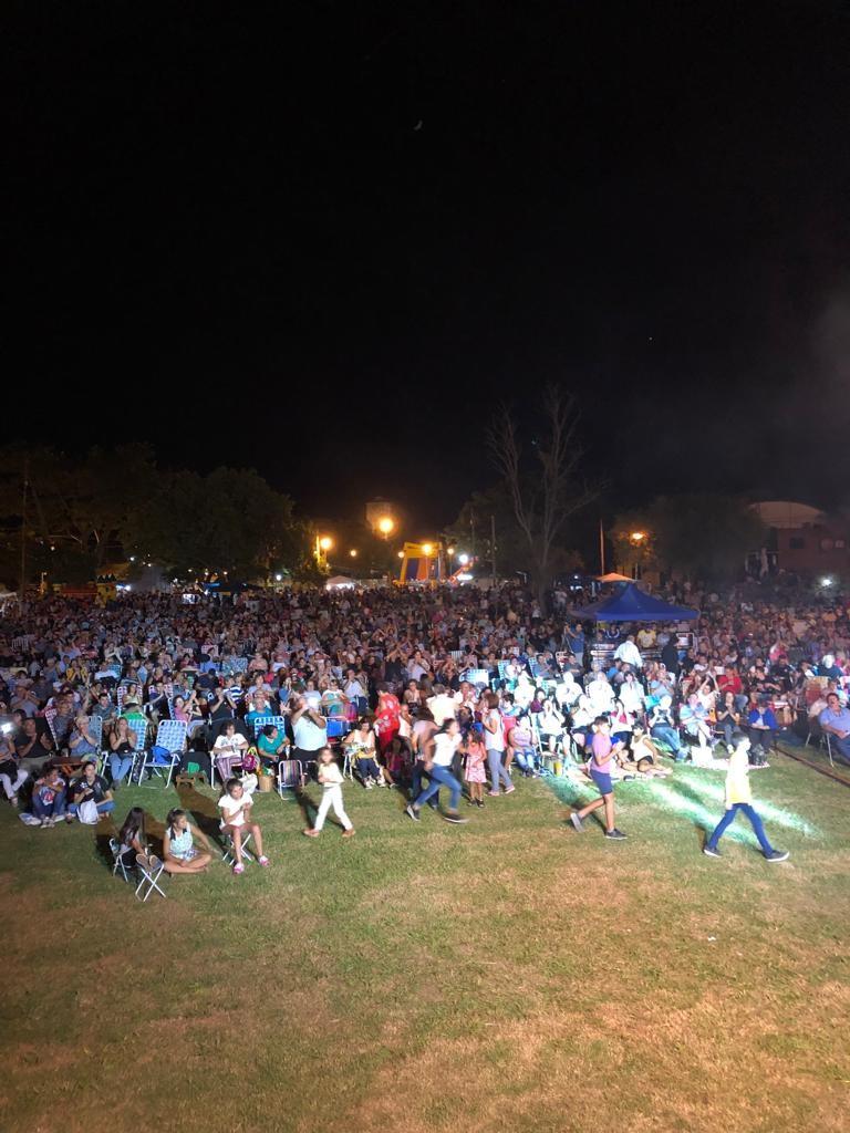 Más de 7000 personas vibraron al ritmo de la música del litoral