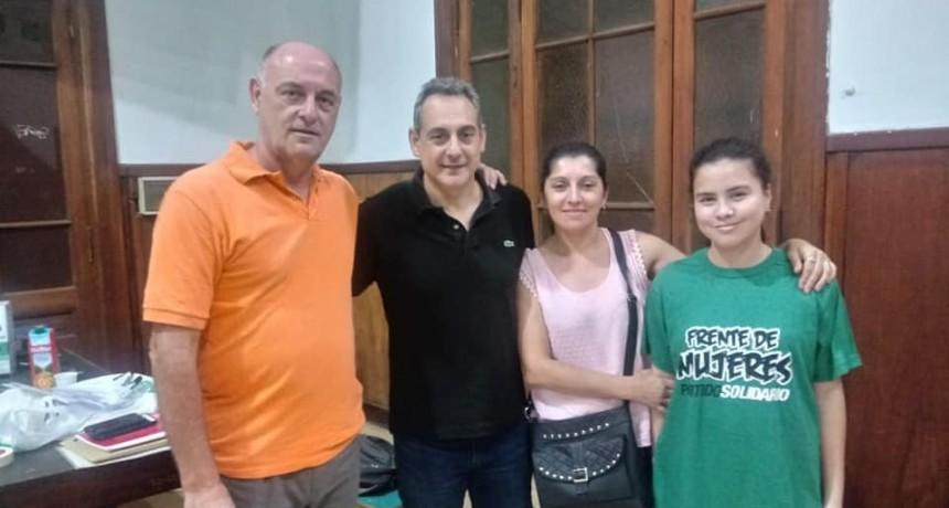 Roberto Pineda estuvo junto a Heller en el plenario del partido Solidario