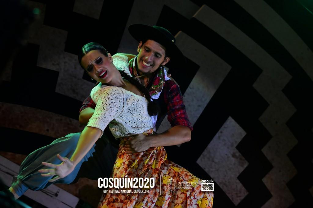 Florencia Passoni y Rubén Forlin, ganadores Pre Cosquín en el rubro Pareja de baile estilizada, brillaron en el festival de Cosquín