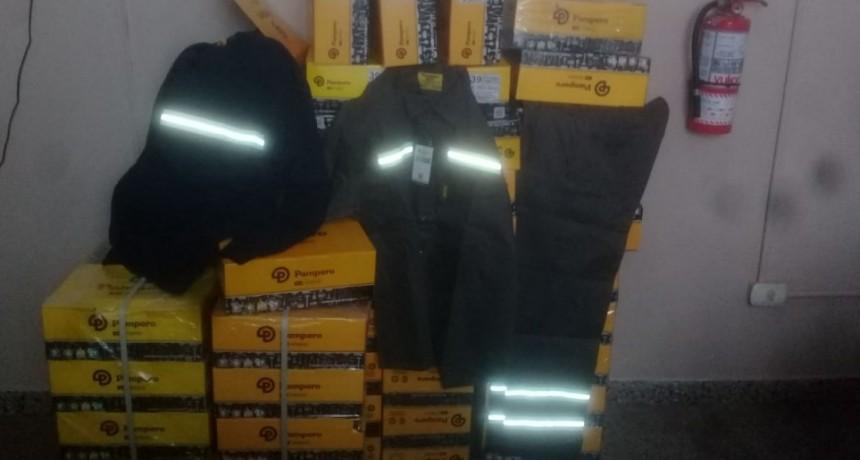 La Municipalidad de Ramallo comenzó con la entrega de indumentaria a los trabajadores municipales.