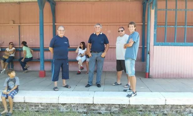 El paso del tren mostró solo al concejal Heredia en representación del FpV