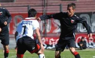 Defensores goleó a Tiro Federal 4 a 1 en un amistoso disputado en Rosario.
