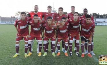 Defensores derrotó a Belgrano y también es puntero del Torneo Apertura