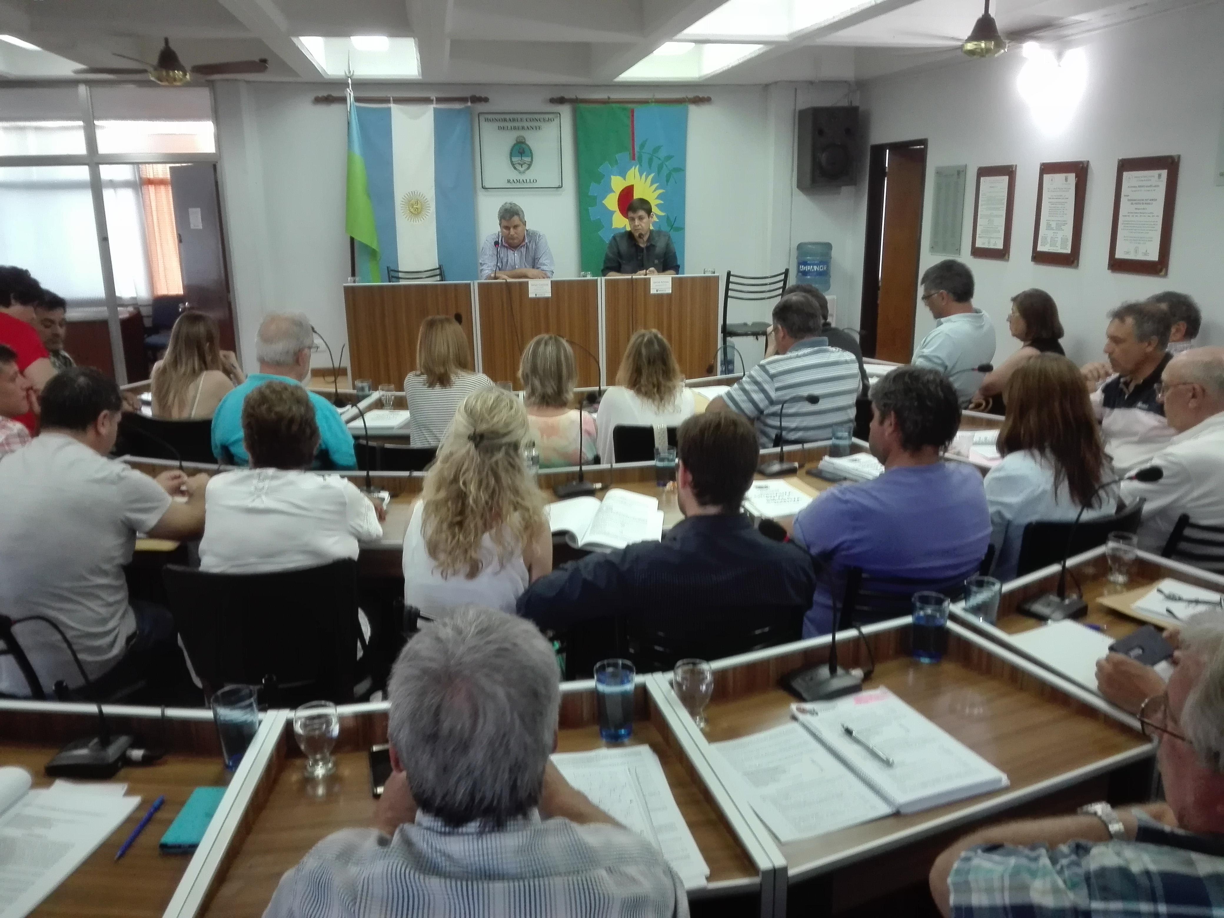 Los concejales volvieron a reunirse en sesión con una agenda cargada de temas