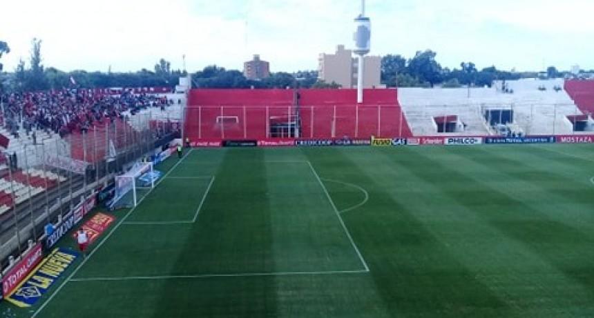El papá del jugador Romero Giraud murió en la cancha