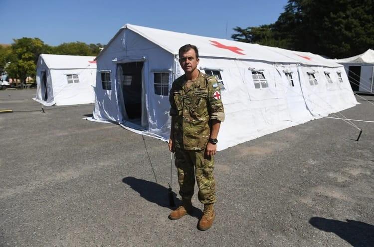 """Coronel Médico Fabio Monserrat """"Este hospital militar reubicable es una gota de agua en el océano, no va a servir si la gente no toma conciencia que tiene que quedarse en su casa"""""""