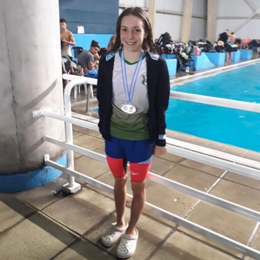 Catalina Oviedo obtuvo cuatro Medallas de Plata en el Nacional de Natación